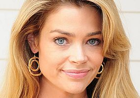http://margit2.hu/forumba-alairasok/denise-richards.jpg