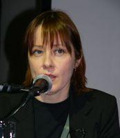 http://margit2.hu/forumba-alairasok/suzanne-vega2.jpg